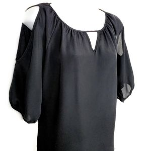 EXPRESS   Keyhole Cold Shoulder Balloon Top Small
